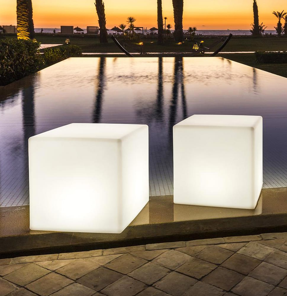 Outdoor Torches & Accessory Lighting