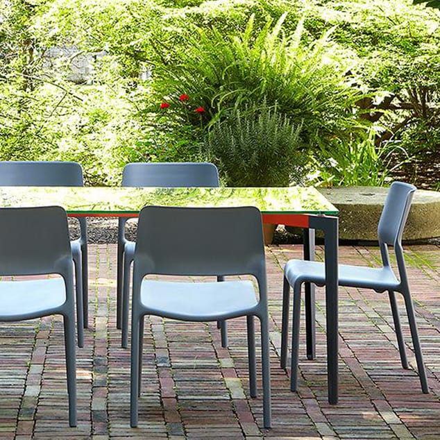 Modern Outdoor Dining Chairs.