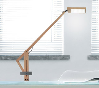 Leva Task Lamp