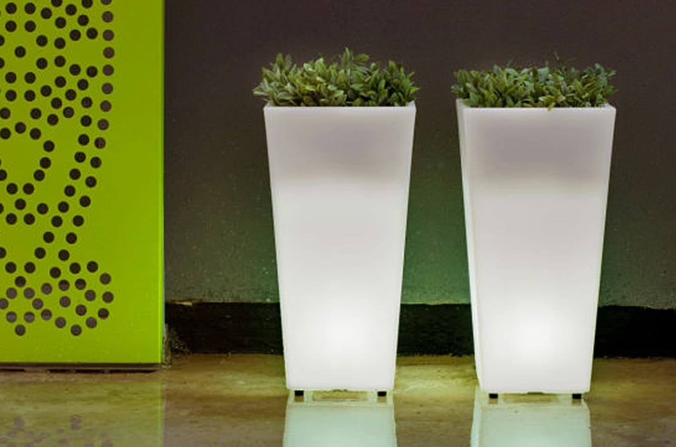 Aix Squara LED Planter by Artkalia