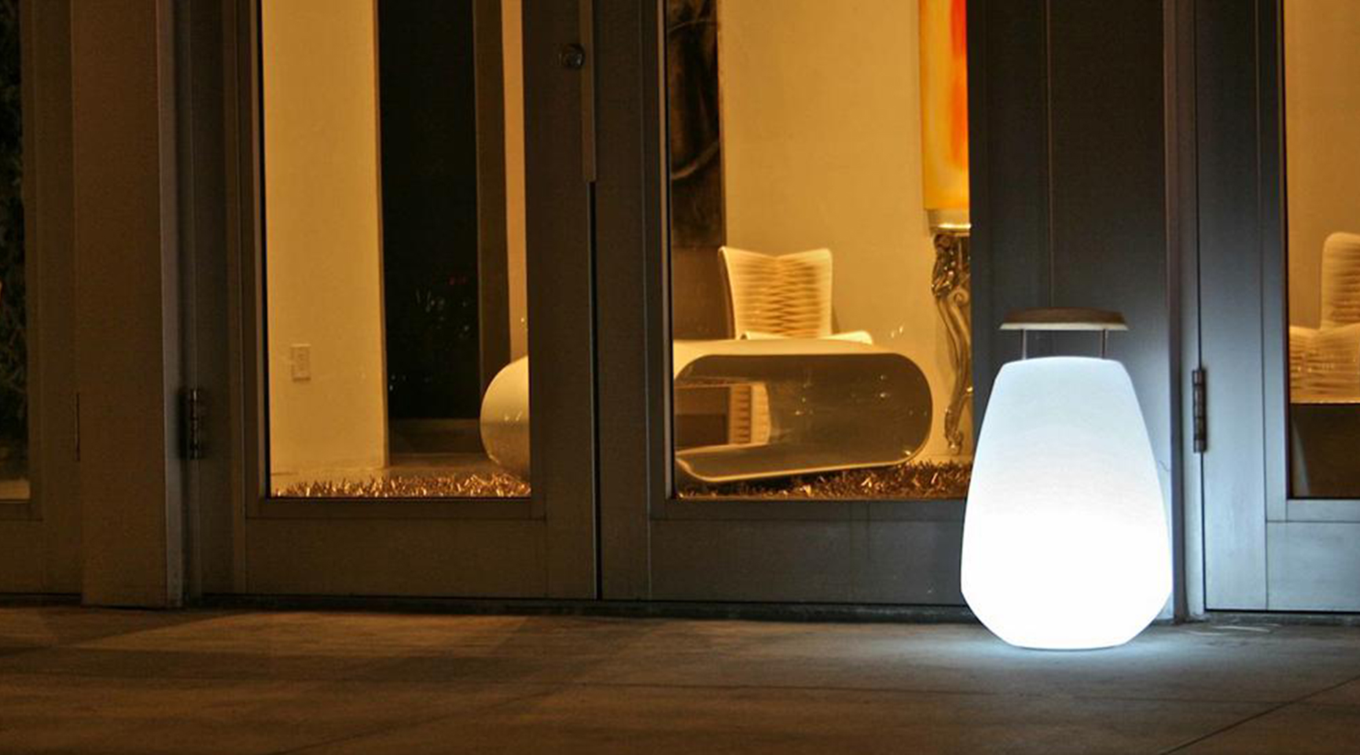 Vessel LED Indoor/Outdoor Lamp by Smart and Green