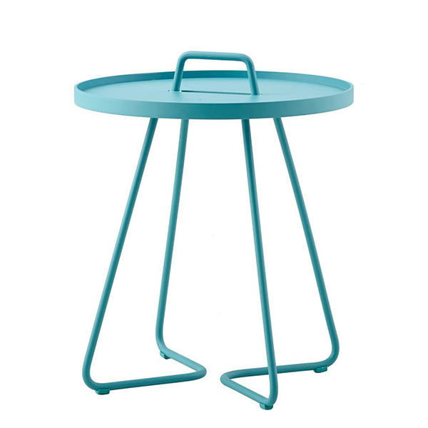 On-the-Move Side Table by Cane-line.