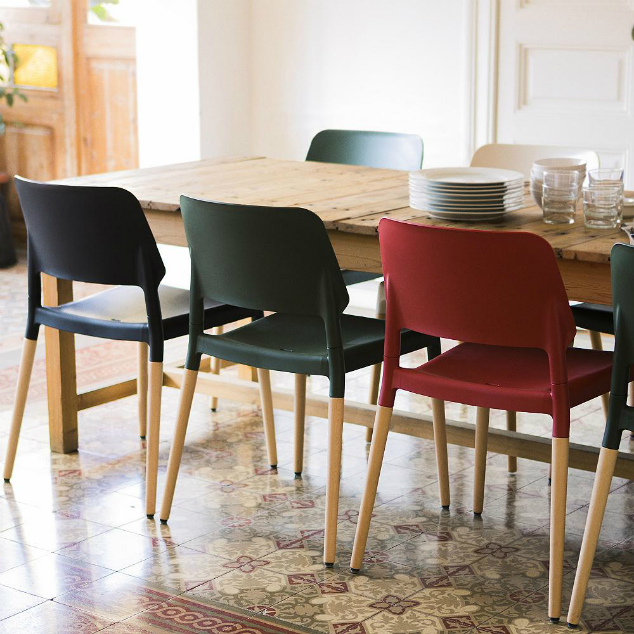 How to Mix Dining Tables and Chairs.