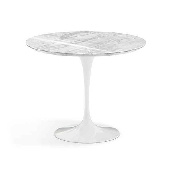 Saarinen Round Dining Table by Knoll.