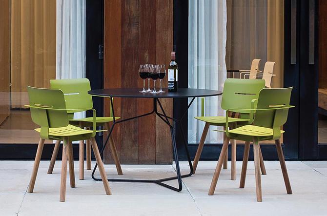Coco Chair/Armchair by Oasiq