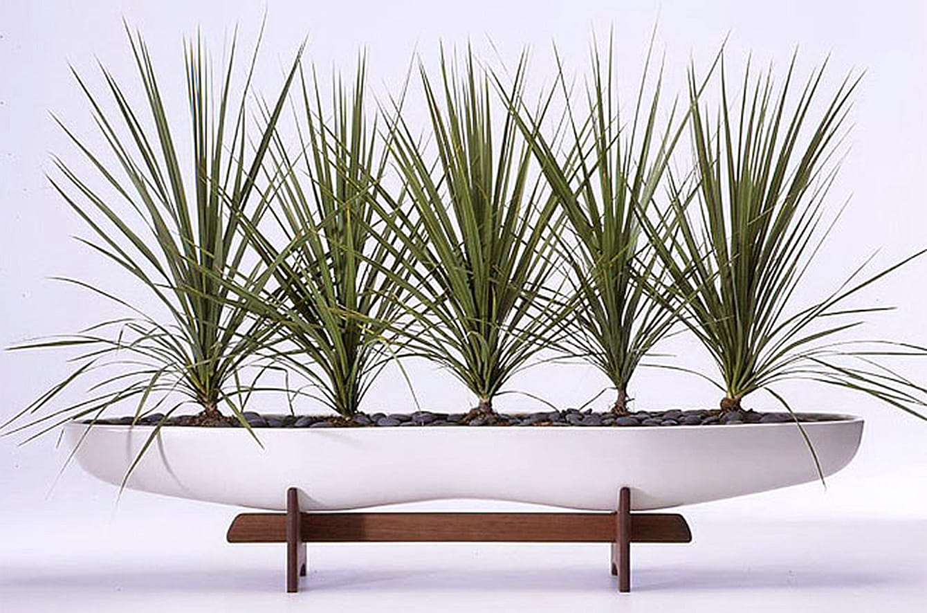 Architectural Pottery F508 Peanut Planter by John Follis for Vessel USA
