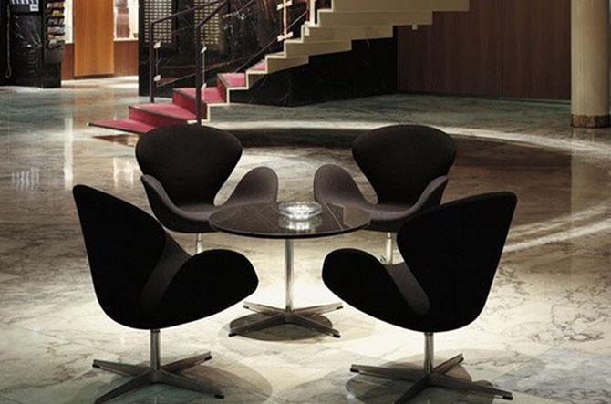 Swan Chair by Fritz Hansen